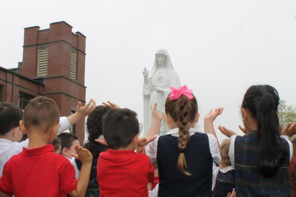 Espirito Santo School May Crowning
